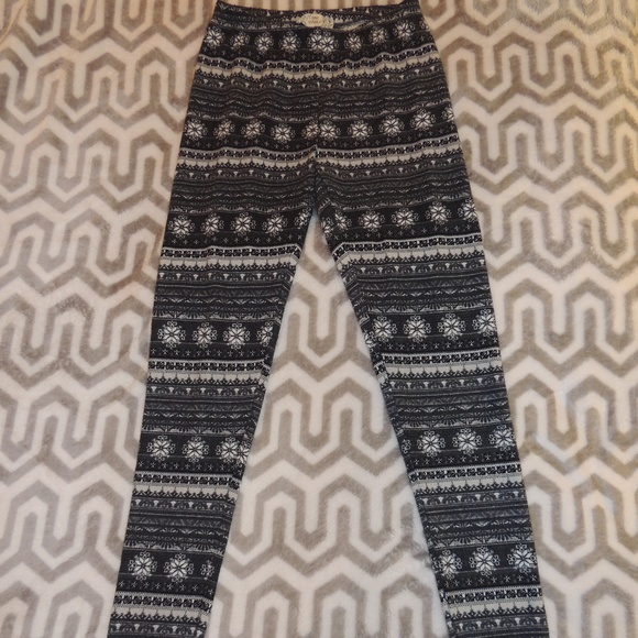 f0cbb3df49676 Pink Republic Pants | Small Snowflake Winter Leggings | Poshmark